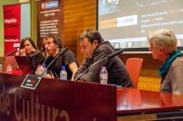 D'esquerra a dreta: Maria Vallés (FVF), Olmo Calvo (fotoperiodista), Òscar Camps (Proactiva Open Arms) i Marta Salgot (PAH). Durant el torn de preguntas. © Joan Ribó